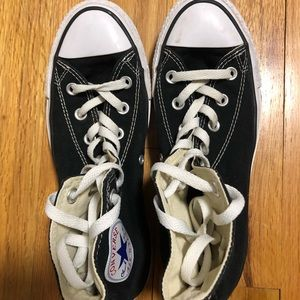 High top black converse. Wore only a few times!!!
